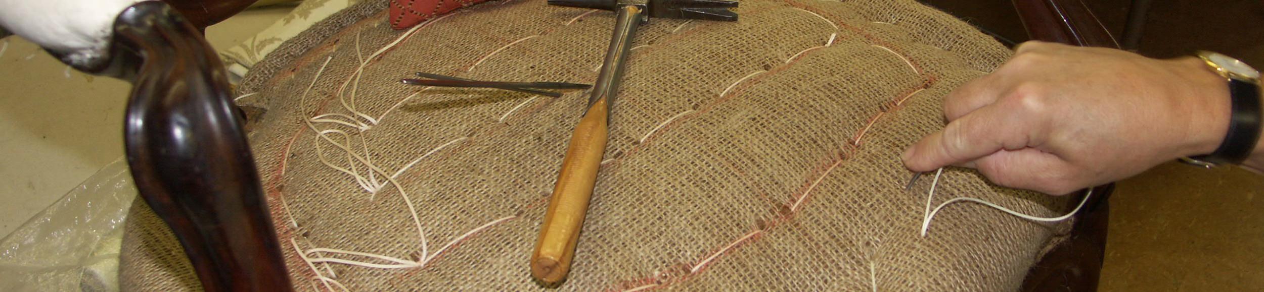 M bel restaurieren in der hauseigenen polsterei for Am fischmarkt